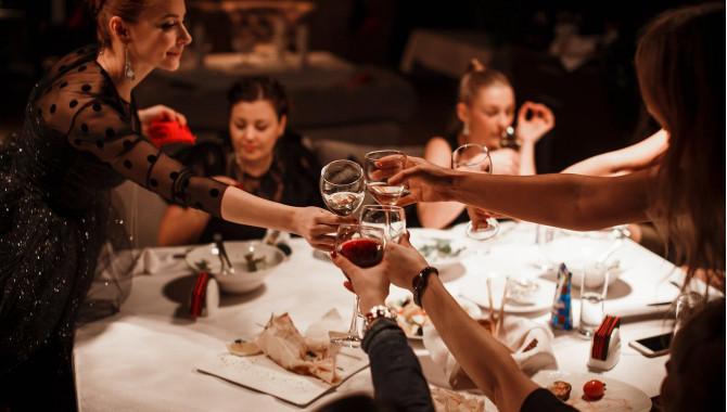 """В лучших традициях Франции - неделя молодого вина """"Beaujolais Nouveau"""" в ресторане """"Легенда Высота""""!"""
