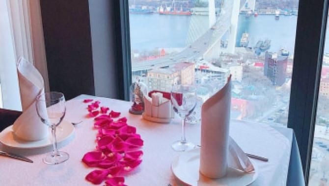 Незабываемый романтический ужин в панорамном ресторане